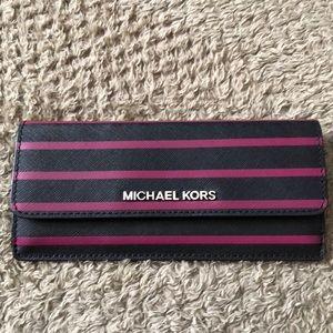 Michael Kors Jet Set stripe wallet black pink new
